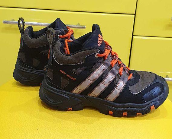 Демисезонные ботинки, кроссовки adidas оригинал 29р.
