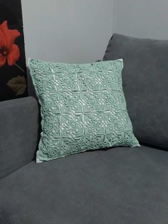 Poduszka szydełkowa dekoracyjna