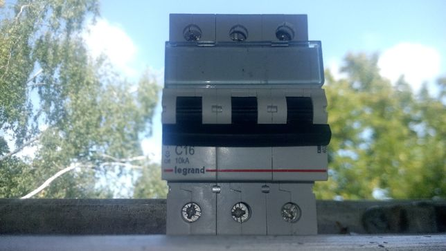 403944 Legrand TX3 C16А 3P 10кА 3 модуля