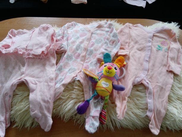 Śpioszki dla niemowlaka
