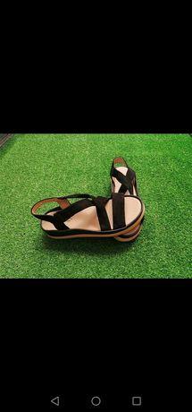 Nowe sandałki 38