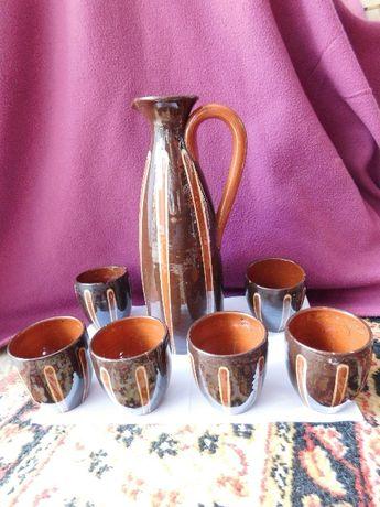 ceramiczny dzbanek z 6 kubkami
