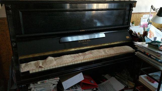 Vende-se Piano antigo