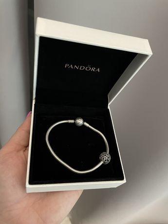 Bransoletka Pandora Moments oryginalna z charmsem