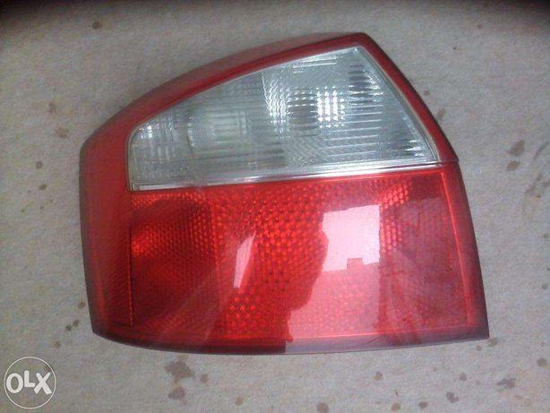 Ótica Traseira Esquerda Hella Audi A4 8E