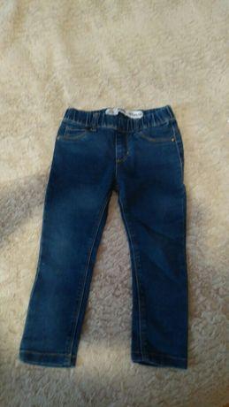 Spodnie jeansowe r 104