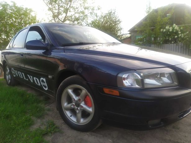 Автомобиль VOLVO S80