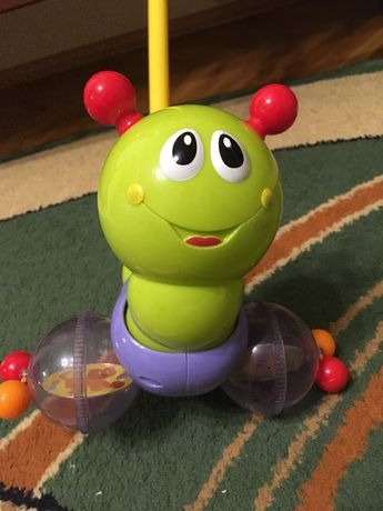 Каталка музыкальная гусеница с ручкой HOLA