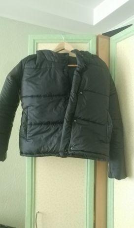Куртка на девочку черная