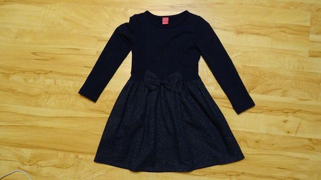 sukienka w rozmiarze 122