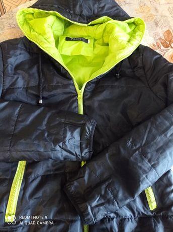 Куртка ветровка на мальчика.