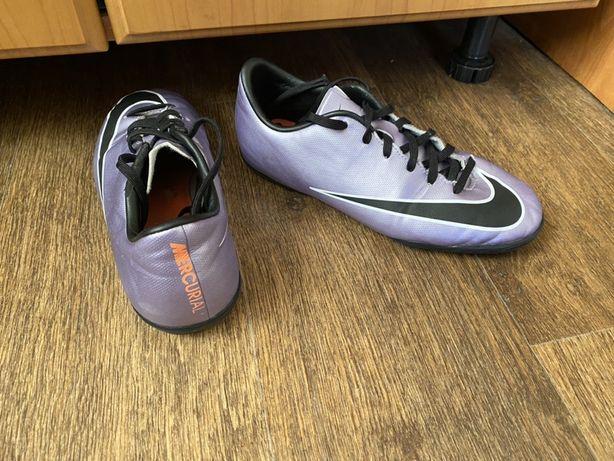 Футзалки Nike 36.5 размер ( оригинал)