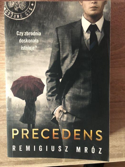 """Remigiusz Mróz """"Precedens"""" Chyłka nowa. Głubczyce - image 1"""