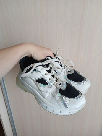 Кросівки красовки крассовки кроссовки кросовки