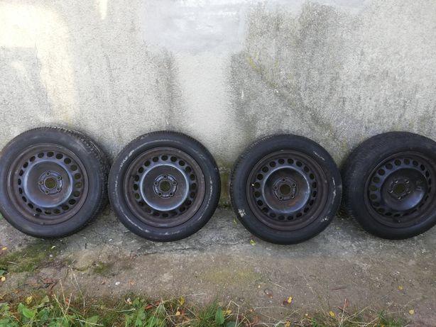 Opony 15 plus felgi  Audi