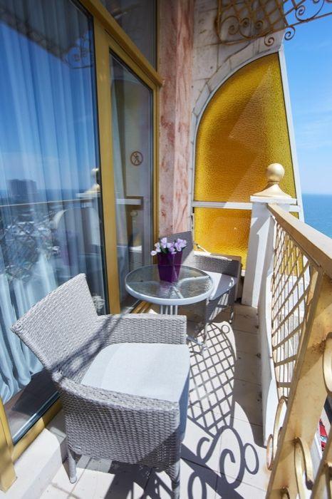VIP!Аркадийский дворец!2cпальни! джакузи!балкон, отличный вид на море-1