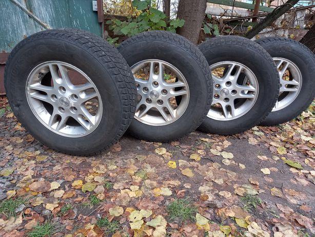 Продам колёса Bridgestone Blizzak (диски+резина 235/70/R16)