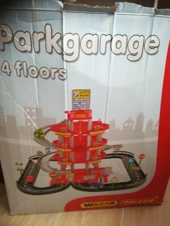 Duży parking 4-poziomowy
