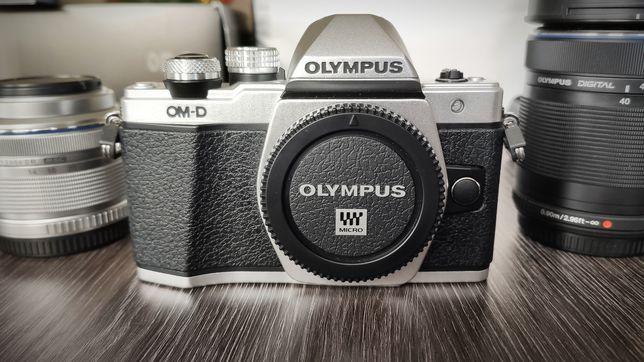 Olympus OM-D E-M10 Mark II srebrny.