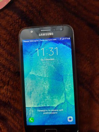 Мобільний телефон Samsung j500h galaxy j5 2017 року