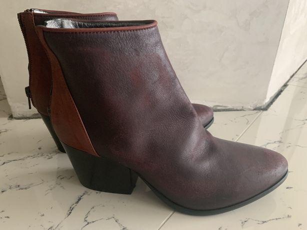 Жіночі шкіряні черевики 36 розміру