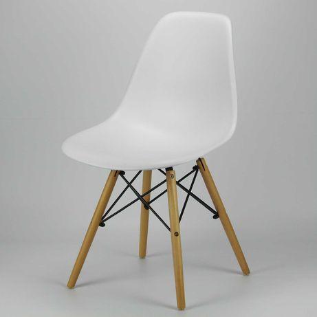 Cadeira DSW eames