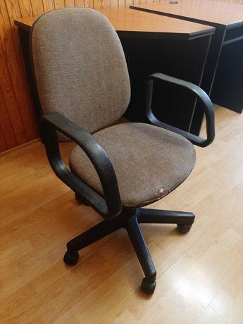 Pilnie oddam biurko, pomocnik, krzeslo biurowe - Gacław
