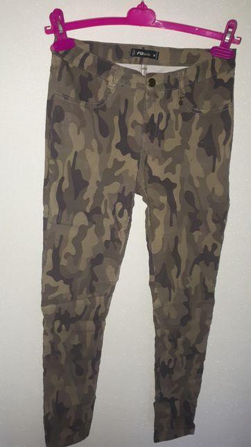 Spodnie rurki moro M