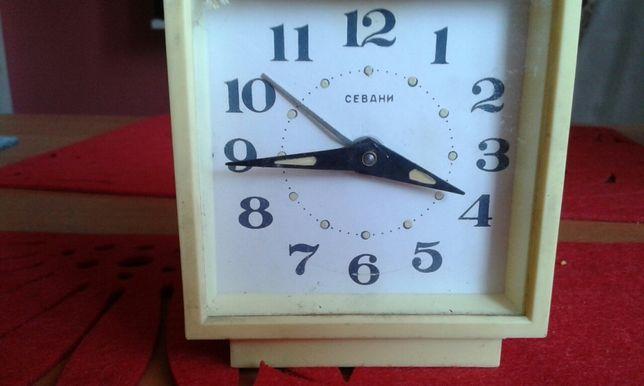 Zegarek budzik z PRL