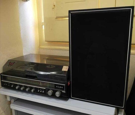 Gira Discos+Radio*Cassette