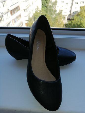 Туфли классические натуральная кожа.
