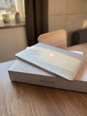 Apple MacBook Pro 15 Retina Intel Core i7 2.2 GHz 16GB 256GB