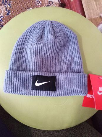 Продам шапку Nike