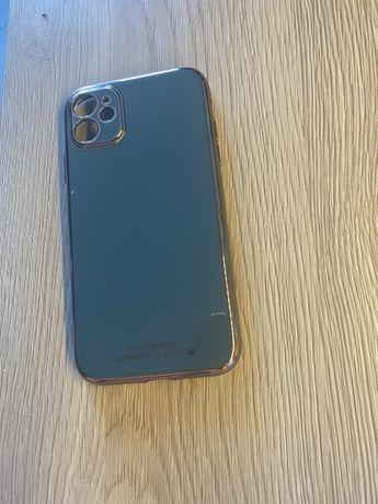 Чехол на телефон