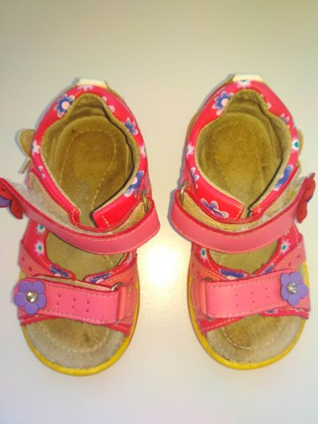 Босоніжки, сандалі Ortopedia