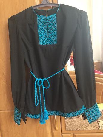 Вишиванка вишита блуза