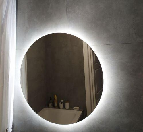 Зеркало із LED-підсвіткою у ванну
