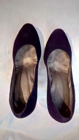 Продам черные туфли