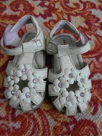 Кожаные босоножки для девочки по-стельке 15 см