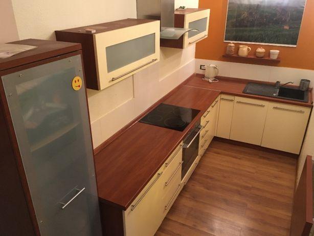 Zestaw mebli kuchennych + lodówka, płyta indukcyjna, okap i zmywarka