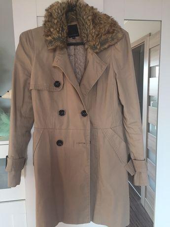 Beżowy płaszcz Amisu
