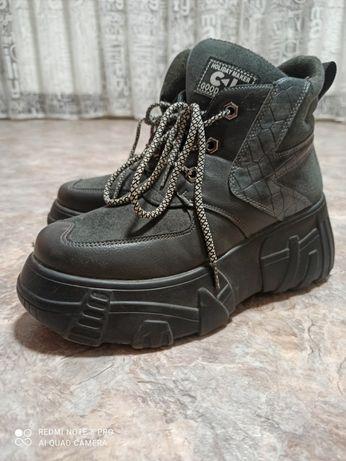 Зимние кроссовки тёплые