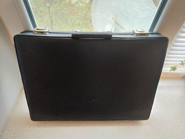 Чехословацкий кожаный дипломат / чемодан