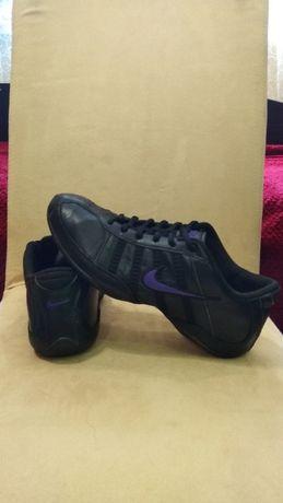 NIKE 39/25см оригінал, шкіряні фірмові кросівки, кроссовки кожаные