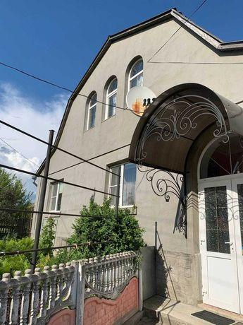 Продам будинок з ремонтом в м.Деражня.