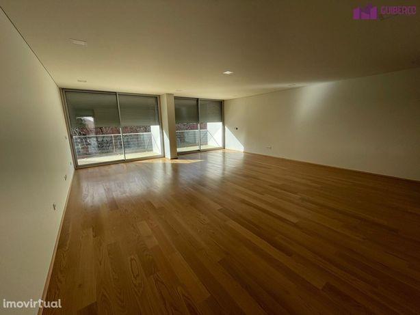 Apartamento T3 Duplex em Vila das Aves
