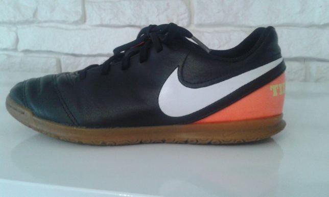 Buty Nike rozm. 39.5