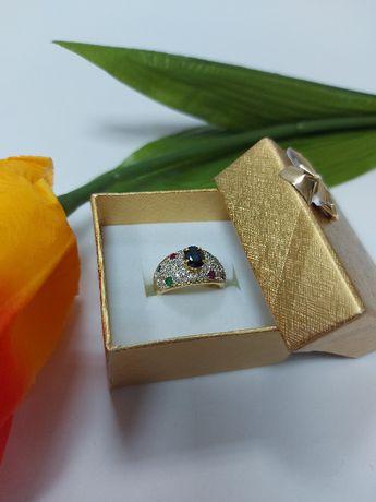 Złoty pierścionek z szafirami p.585
