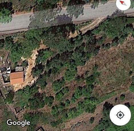 Terreno com armazém e ruina