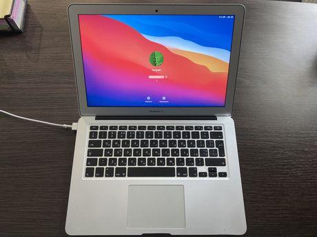 Продам свій MacBook Air 2015 (куплений в 2017)